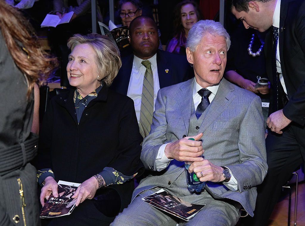did the clintons steal furniture from the white house