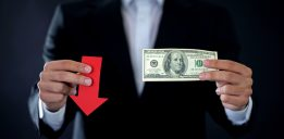 The 2 Things Holding the U.S. Dollar Together Say Downside Is Ahead