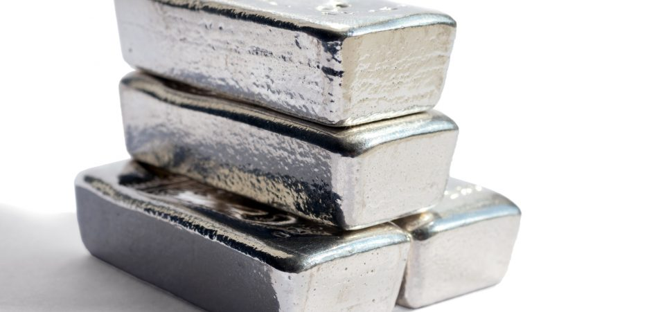 These Two Charts Say Silver Prices Could Rise to $33.55 an Ounce